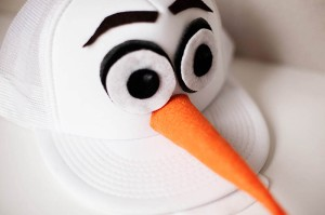 all-for-the-boys-diy-olaf-hat-rundisney-costume-11