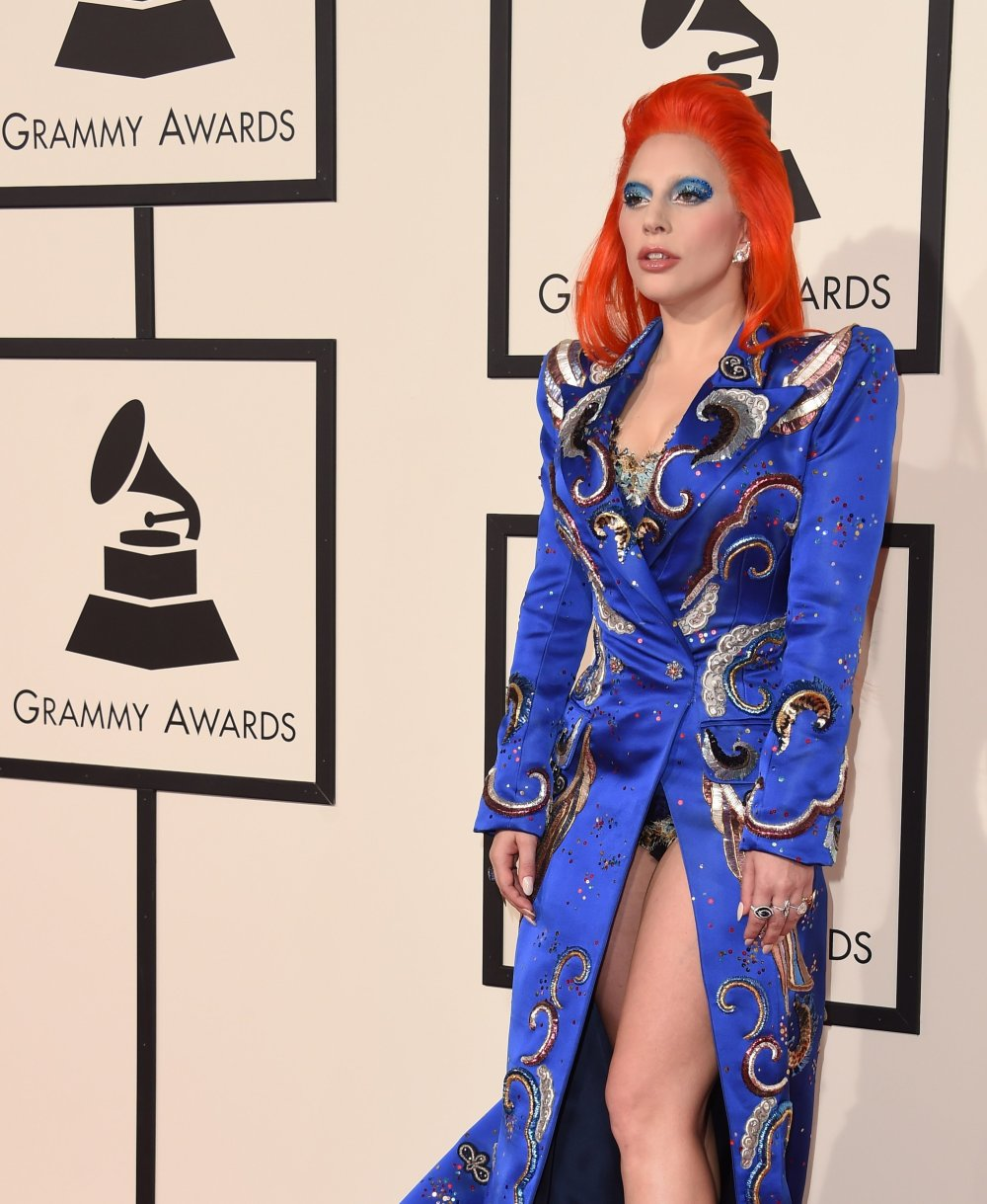 lady-gaga-grammys-red-carpet-2016.jpg