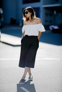 broad-shoulder-dark-pants