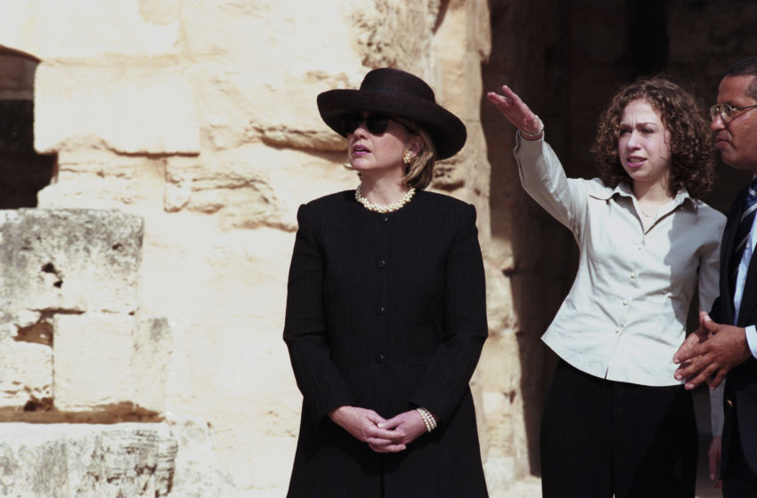 162568795-visit-of-hillary-clinton-and-chelsea-in-tunisia-850x560