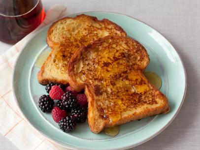GC_alton-brown-french-toast_s4x3.jpg.rend.sni12col.landscape.jpeg