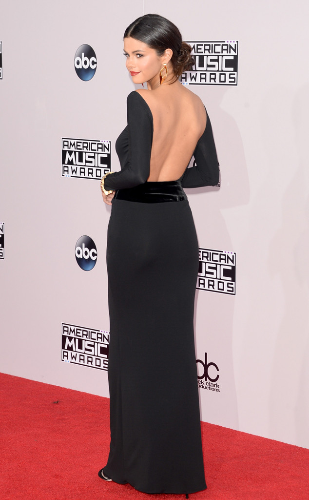 rs_634x1024-141123194831-634-selena-backside-american-music-awards-2014