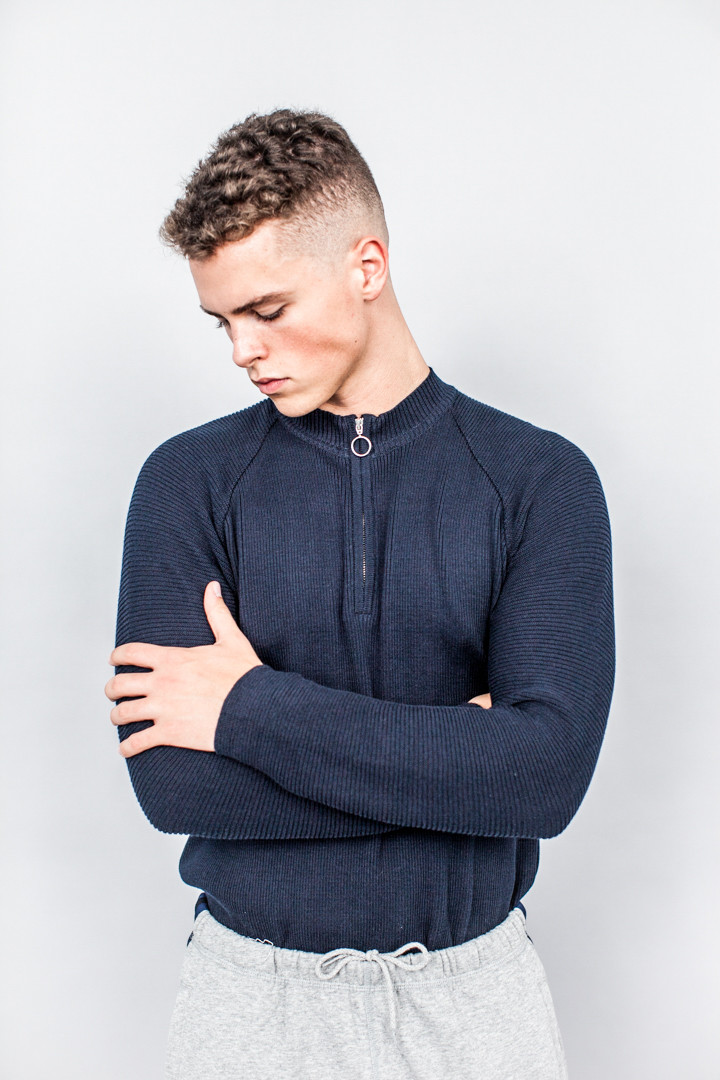 working-title-shop-cmmn-swdn-ivor-half-zip-jumper-navy-2